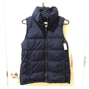 NEW Gap navy puffer vest. Fleece lined.